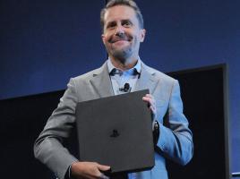 Con un emotivo discurso Andrew House se despide de PlayStation después de casi tres décadas