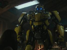 Bumblebee, el spin-off de Transformers, se exhibe en su primer tráiler