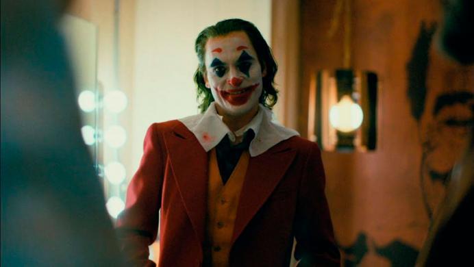 Joker se exhibe con un sombrío y macabro tráiler final