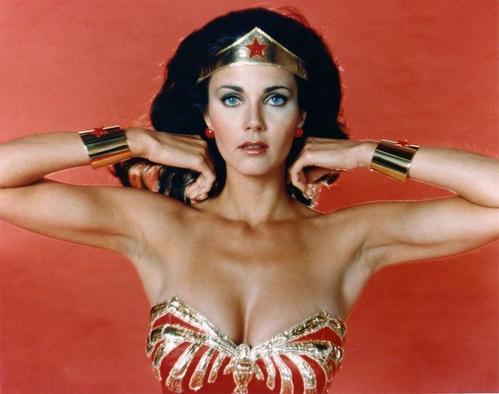 Lynda Carter, la Mujer Maravilla original, tendrá un papel en la serie de Supergirl